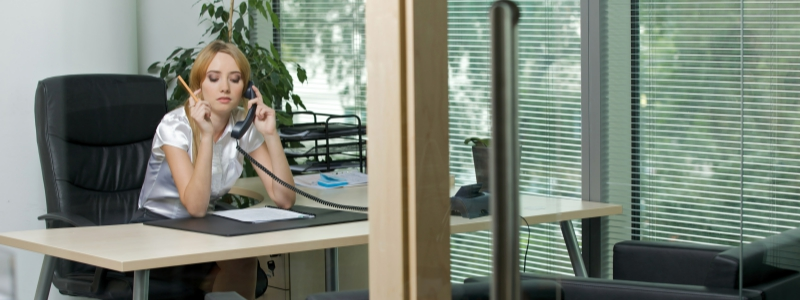 Recruiter Getting Distracted During A Phone Interview
